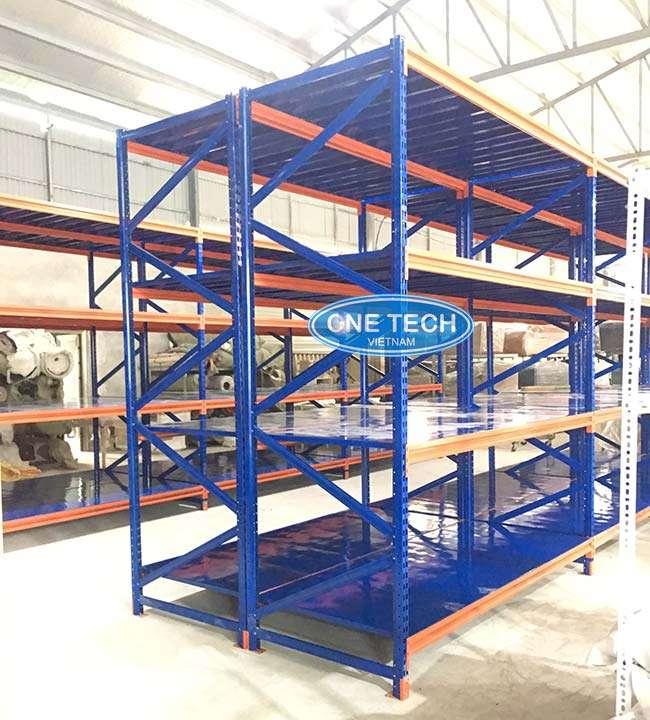 Kệ chứa các loại hàng hóa có trọng lượng trung bình dưới 500kg/tầng