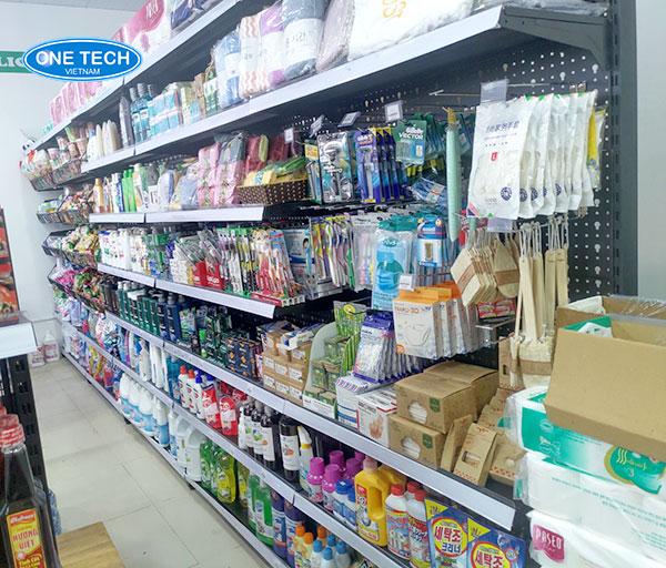 Kệ đơn trưng bày hàng hóa sản xuất và phân phối bởi Onetech
