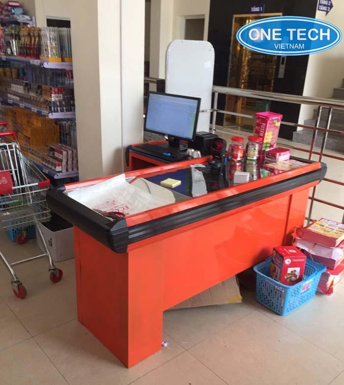 OneTech Việt Nam thiết kế những mẫu bàn thu ngân đẹp , tiện dụng