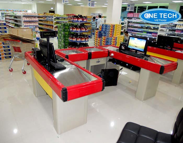 bàn thu ngân siêu thị tại hà giang