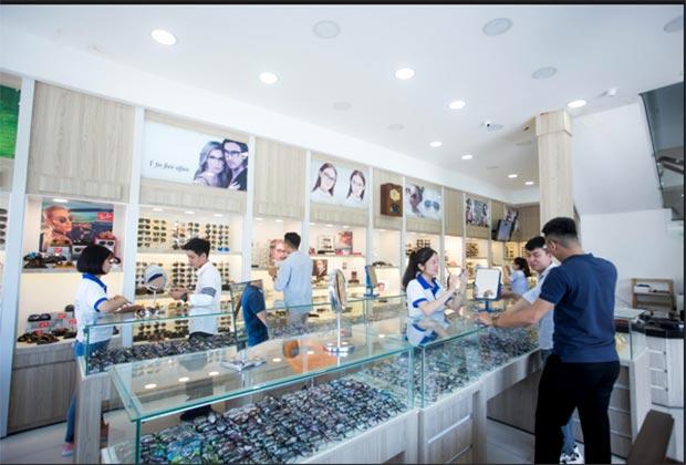 Kệ tủ trưng bày kính mắt thời trang