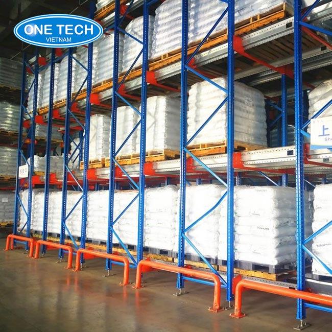 Giá kệ kho hạng nặng - loại kệ lưu trữ kho hàng công nghiệp