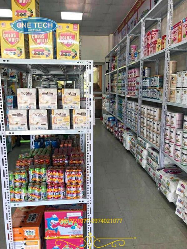 Kệ sắt v lỗ đựng hàng sữa hoặc cửa hàng tạp hóa