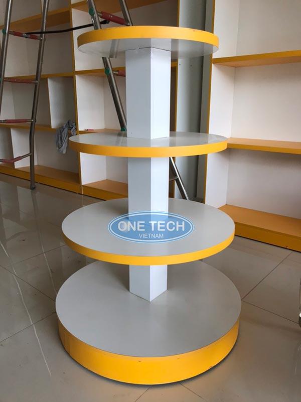 Kệ tròn 4 tầng để trưng bày hàng hóa