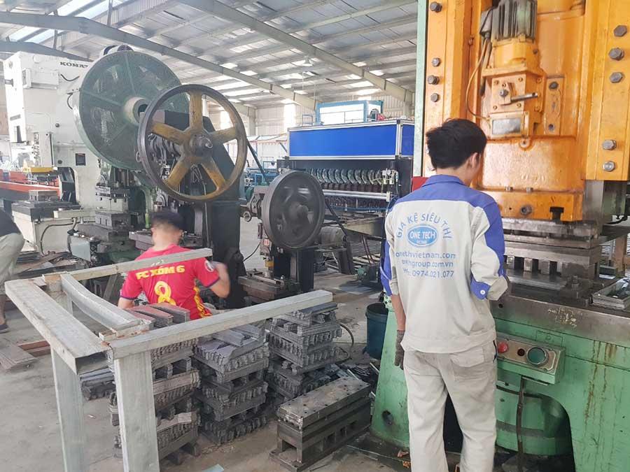 Nhà máy sản xuất giá kệ Onetech Việt Nam