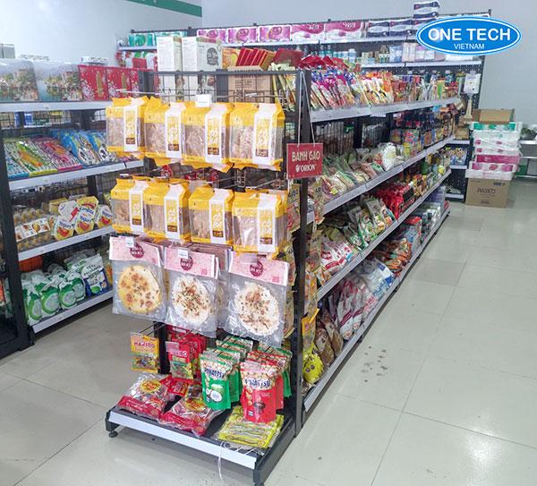 Mẫu kệ đôi bày hàng, sản phẩm giữa nhà, cửa hàng, siêu thị