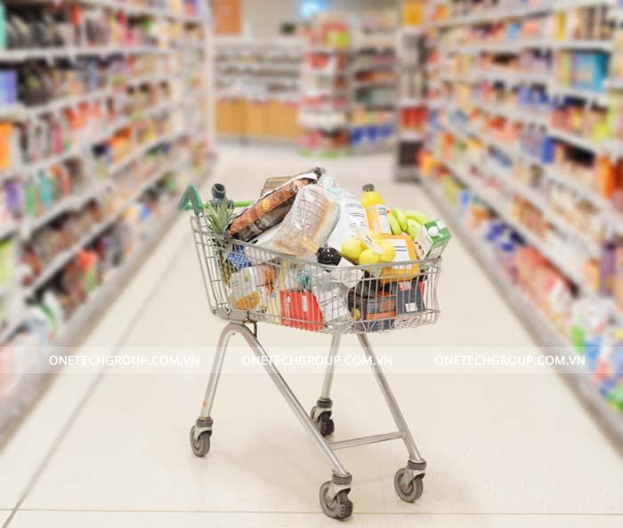 Xe đẩy siêu thị là thiết bị không thể thiếu trong các siêu thị, trung tâm thương mại
