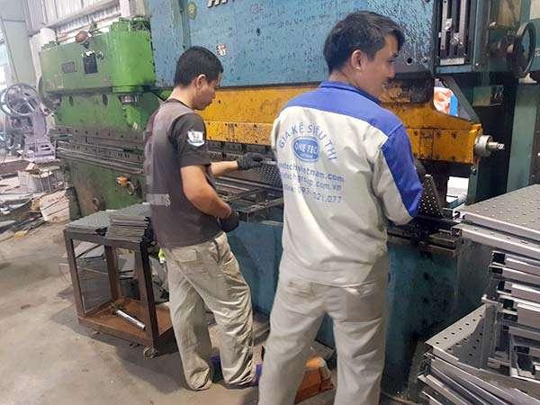 Nhà máy sản xuất giá kệ kho hàng Onetech