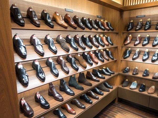 Kệ gỗ trưng bày giày nam tuyệt đẹp