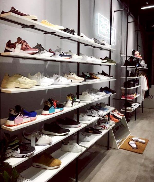 Kệ trưng bày giày thể thao đẹp