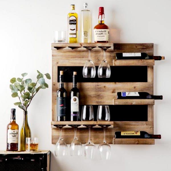 Mẫu kệ gỗ treo tường trang trí rượu