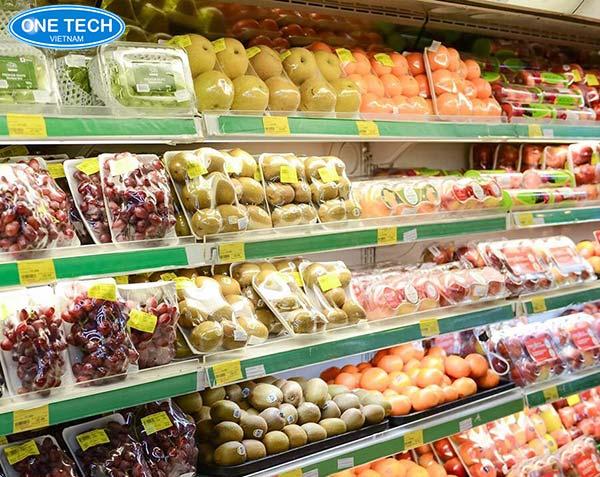 Kệ siêu thị trưng bày hoa quả