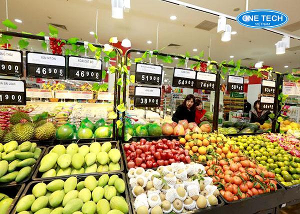 Mẫu kệ trưng bày trái cây trong siêu thị Vinmart - với khung sắt, khay nhựa