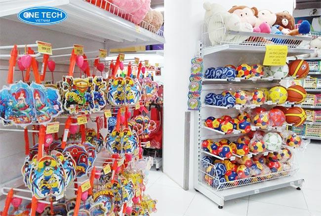 Kệ đứng trưng bày đồ chơi trẻ em