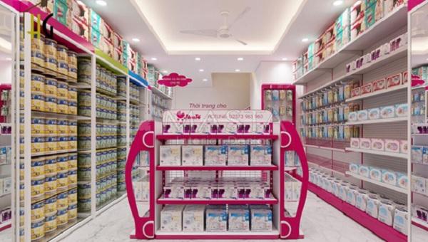 Mẫu kệ siêu thị chủ đạo trong siêu thị Mẹ và Bé Jim Tồ