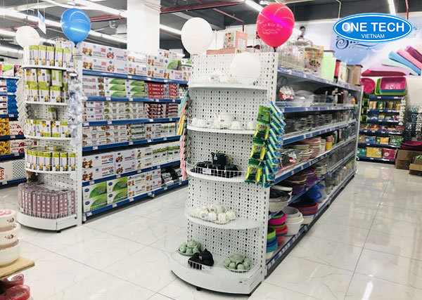 Mẫu kệ siêu thị đầu tròn thiết kế độc quyền tại Onetech