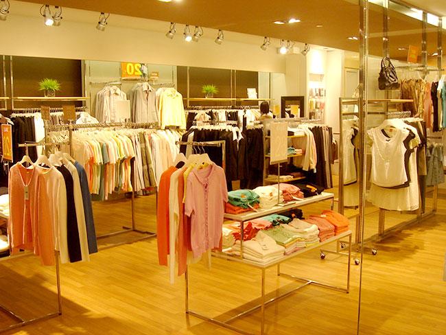Những mẫu giá kệ đẹp giúp cửa hàng, shop trở nên sang trọng hơn
